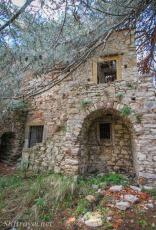 hill_monastery01